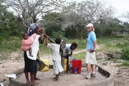 IMG_8773-mozambique-pump