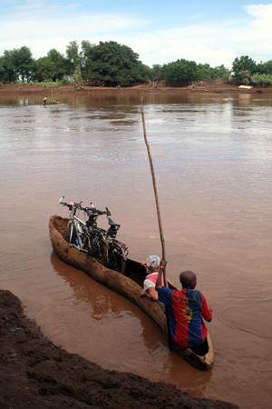 IMG_0323-omo-canoe