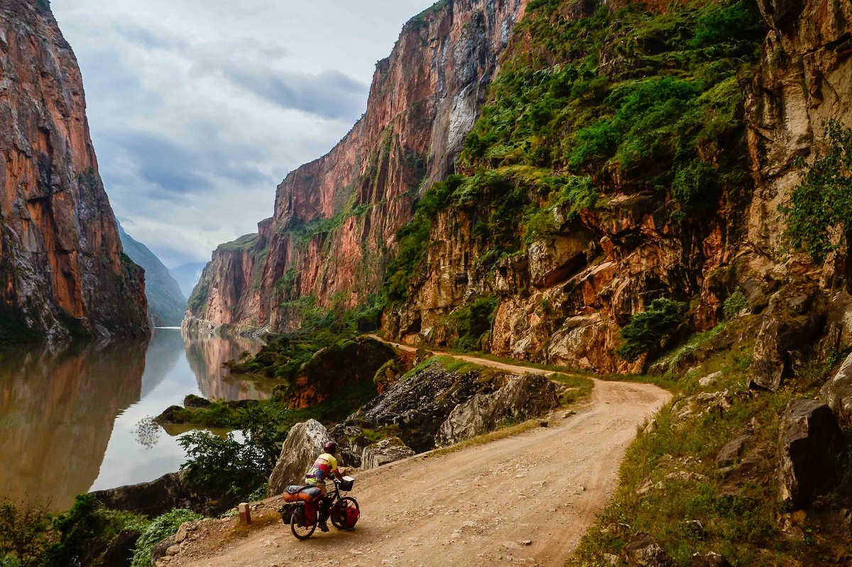 The Yi and the Yangtze