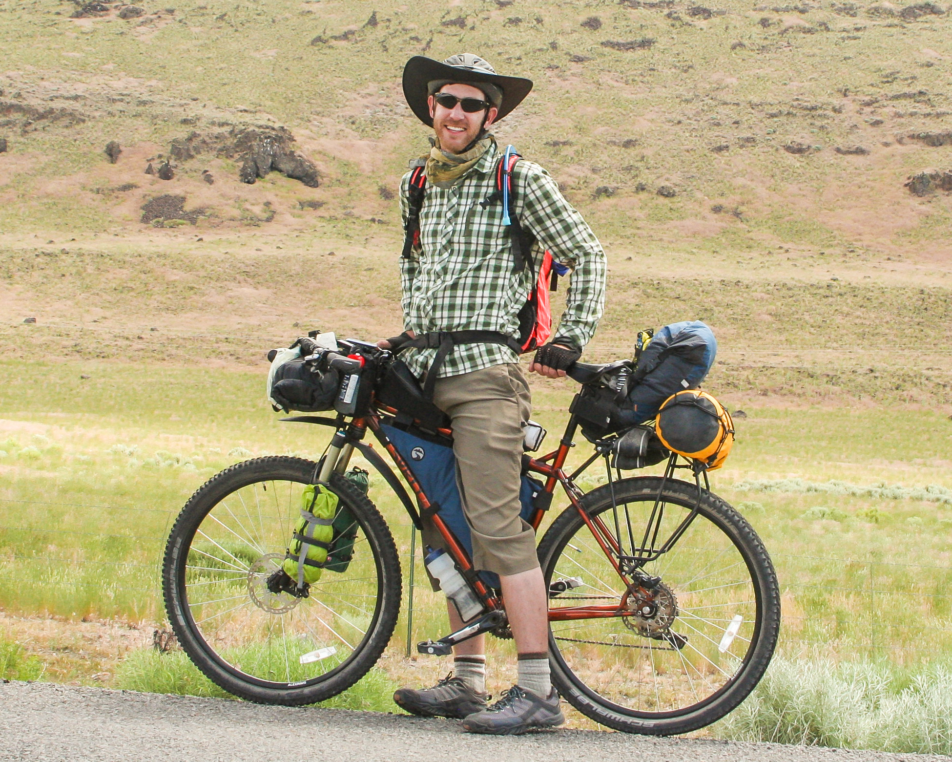 bikepacking on steens mountain route in oregon