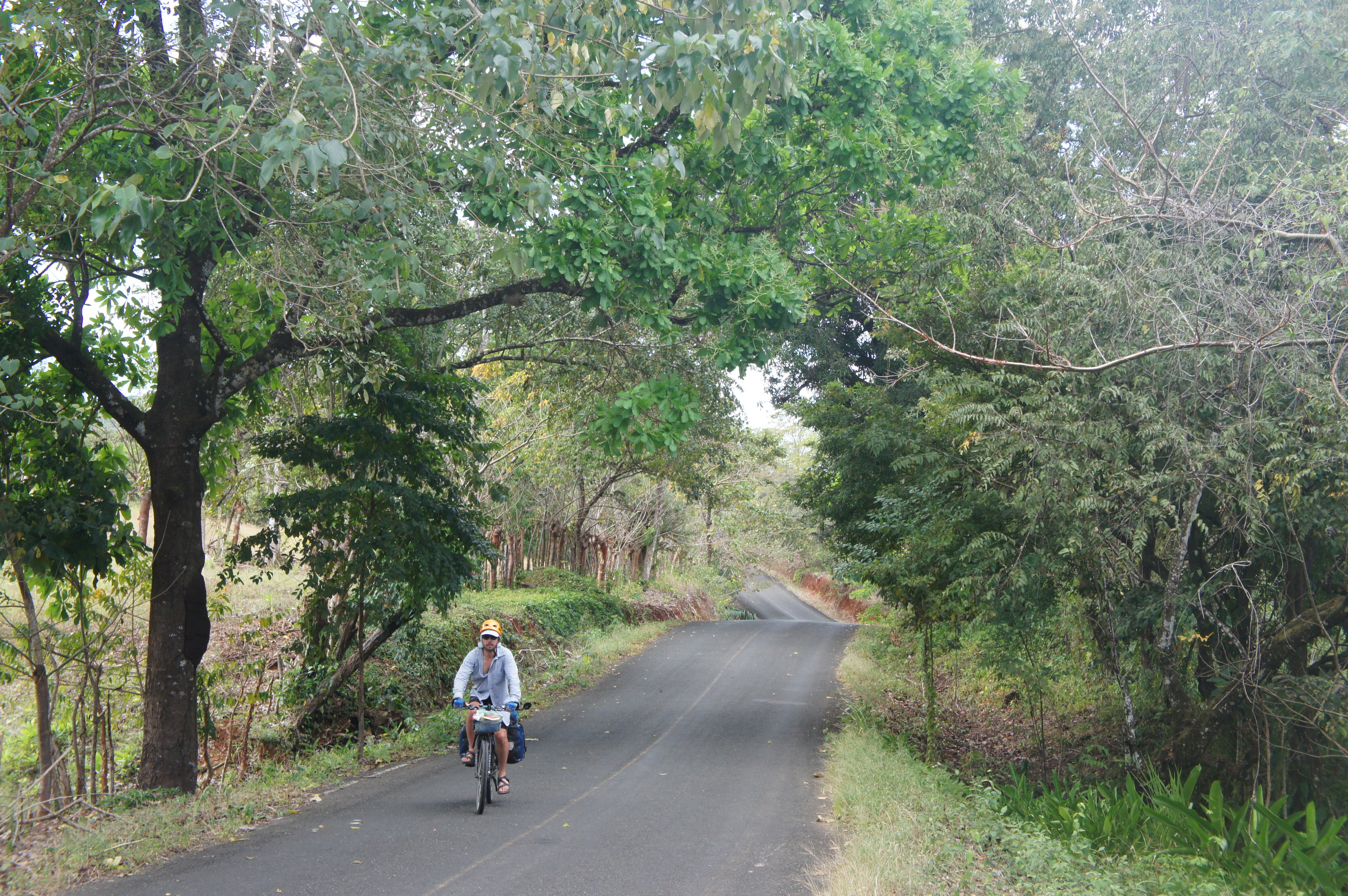The road to Santa Catalina-- Panama bike touring
