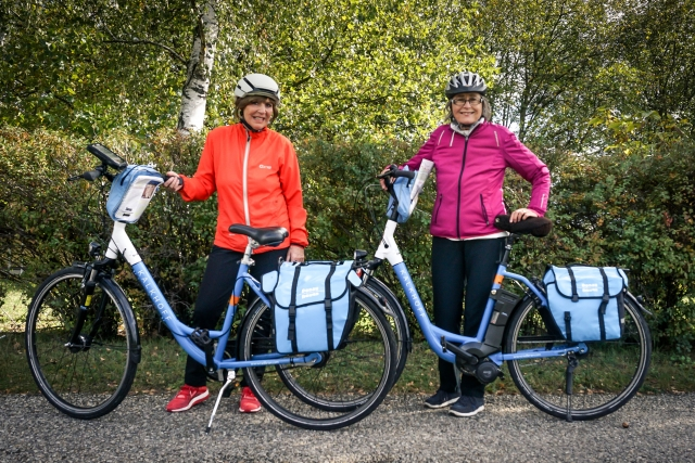 cyclists with e-bikes