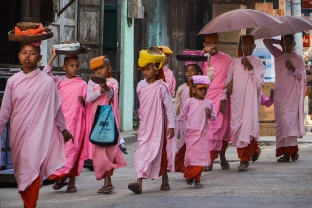Nuns in Myanmar begging for alms.