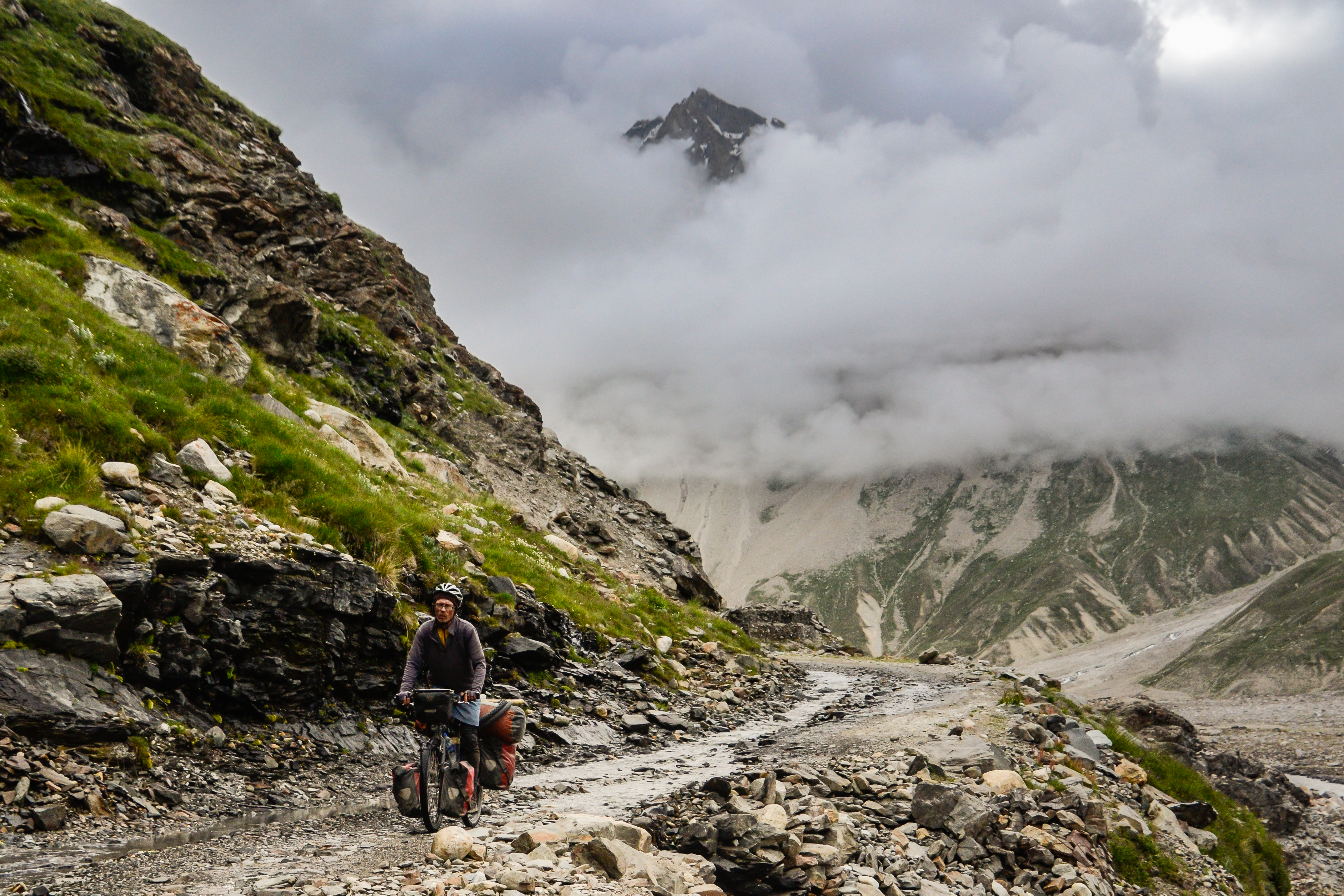 Bicycle touring Indian Himalayas