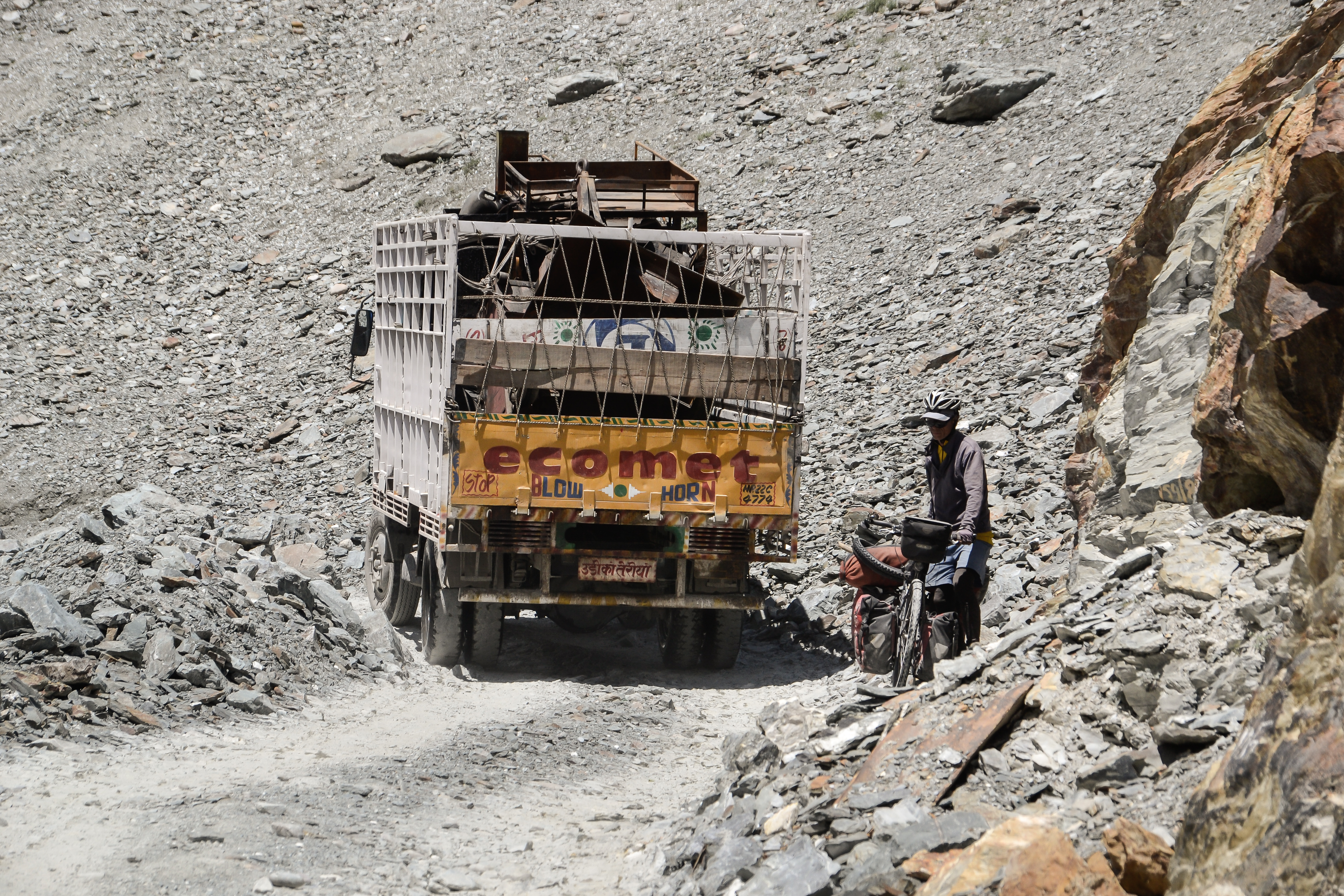 Rough roads in Spiti Valley
